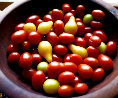 Grape and lemon tomatoes