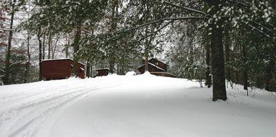 Snow cabin2