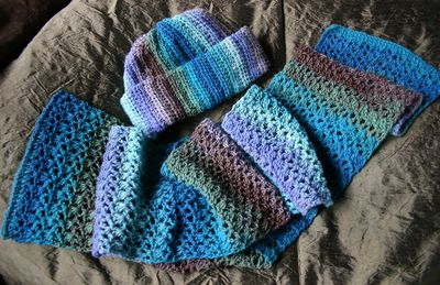 Hat and scarf set - multi