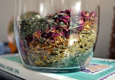 Herbs_in_bottle_2
